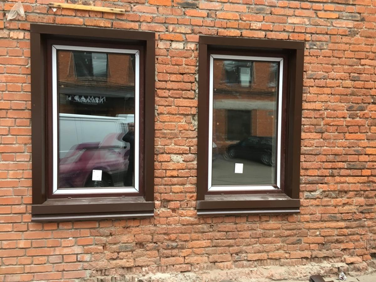 Монтаж металлических откосов на окна